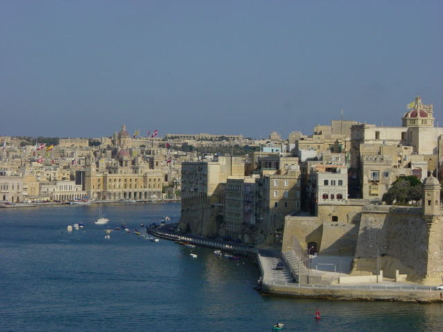 Urlaub: Kreuzfahrt: Genau – Marseille – Valencia – Palermo – Malta – Rom –Genua