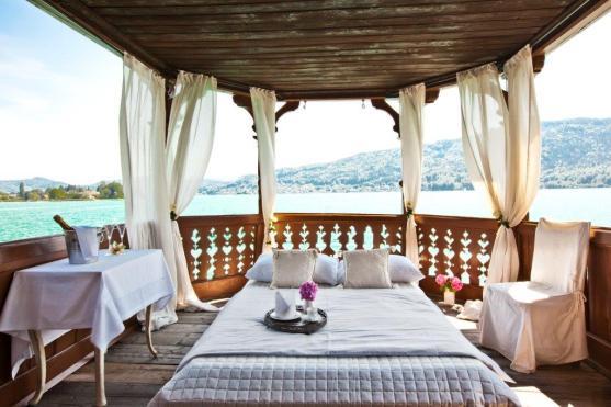 Romantik, wohin man auch schaut - die Bootshaus-Suite (© Miralago)